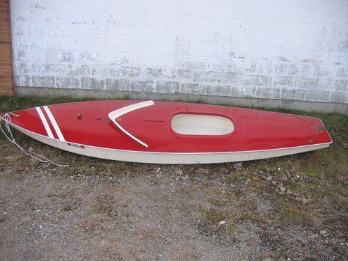 1210101A: RED AMF SUNFISH SAILBOAT COMPLETE WITH SAIL