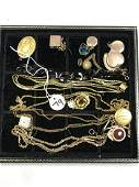 A GROUPING OF BETTER VICTORIAN GOLD FILLED JEWELRY