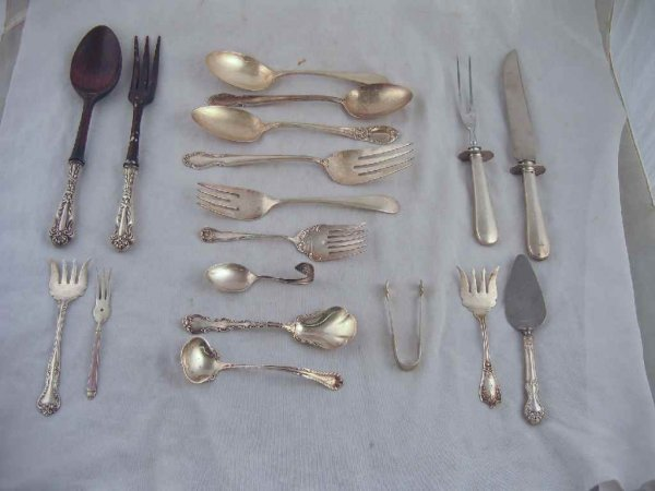624105: 18 PIECES OF FANCY VICTORIAN STERLING SILVER