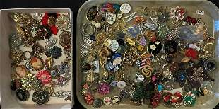 GROUPING OF VINTAGE COSTUME JEWELRY PINS