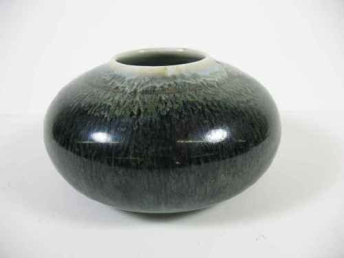 """SMALL MID CENTURY STUDIO POTTERY VASE   SIGNED """"D.W.H"""""""