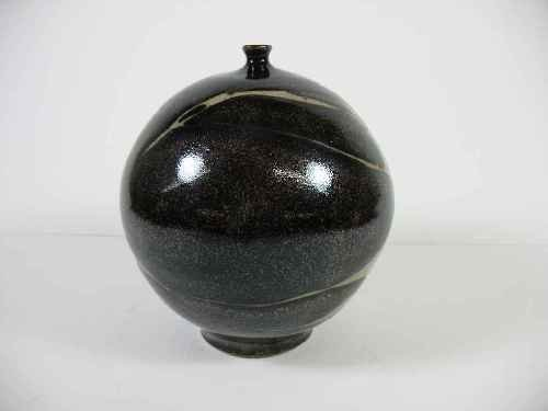 SMALL UNSIGNED MID CENTURY  POTTERY URN