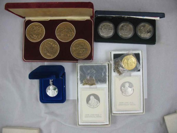 1104115: 2 POPE JOHN PAUL I STERLING MEDALS, POPE JOHN