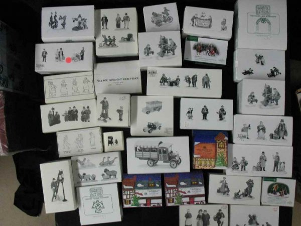 1209006: DEPARTMENT 56 CHRISTMAS VILLAGE 30+ BOXES