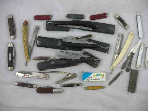 120337: LOT OF STRAIGHT RAZORS AND POCKET KNIVES