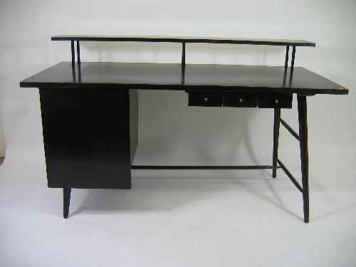 203191: HERMAN MILLER DESK WITH CHAIR