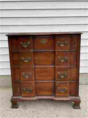A MAHOGANY BLOCK FRONT CHEST BY TERRYVILLE