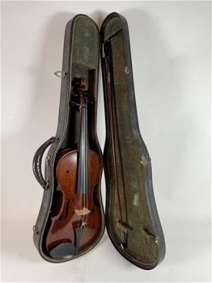 AN ATIQUE VIOLIN IN CASE WITH BOW BEARING
