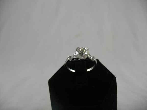 428001: PLATINUM DIAMOND SOLITAIRE RING WITH OLD MINE
