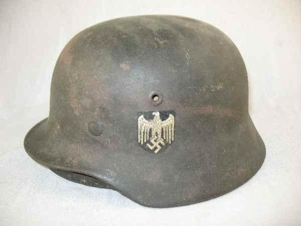 630351: AUTHENTIC WWII GERMAN INFANTRY HELMET WITH INTE
