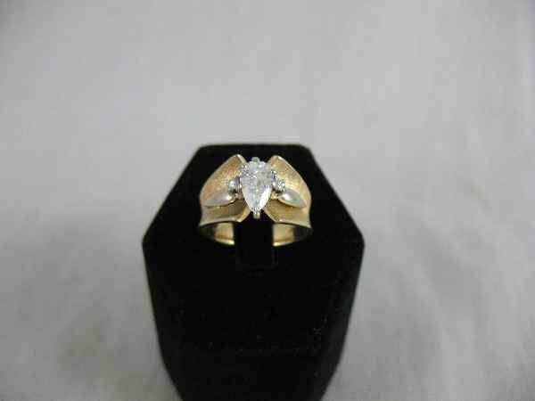 1211002: CONTEMPORARY BAGUETTE CUT 14K 1.25 DIAMOND RIN