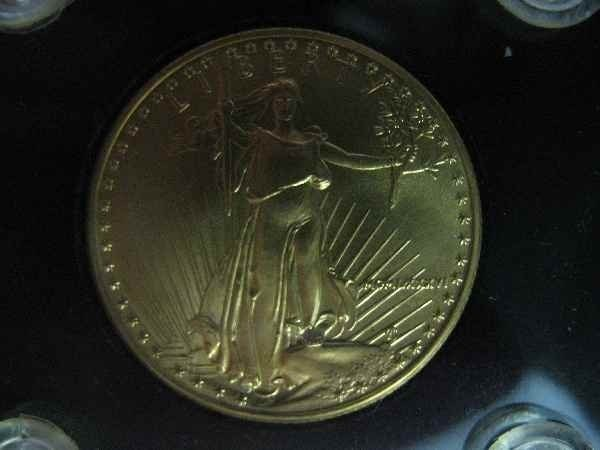 3260001: 22 KARAT GOLD US EAGLE 25 DOLLAR PIECE .5 OZ