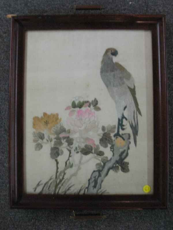3260006: CHINESE NEEDLEPOINT TRAY OF A PARROT