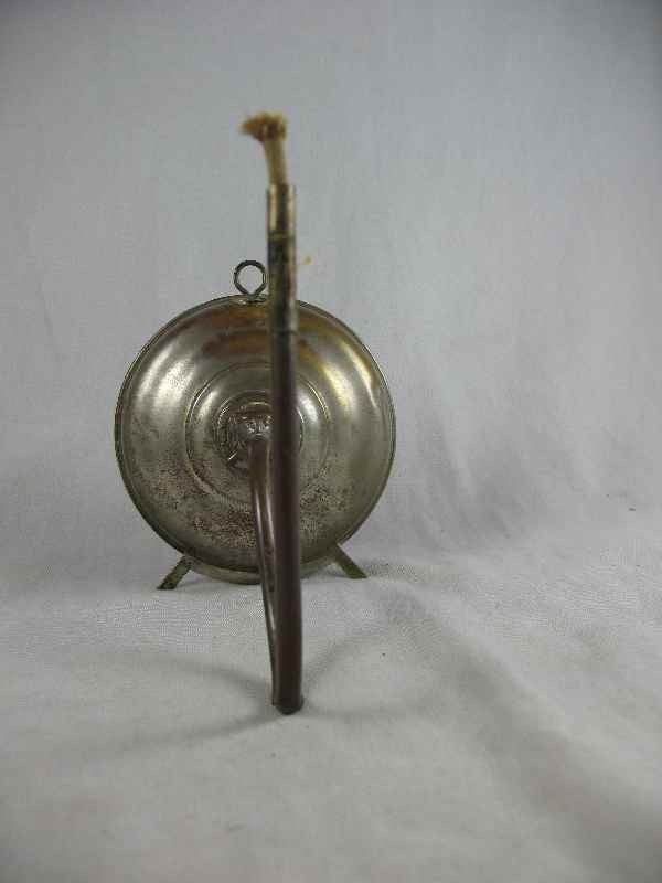 5250022: EARLY TOLEWARE WALL MOUNTING WHALE OIL LAMP