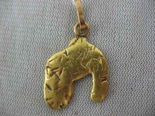 7270006: GOLD NUGGET NECKLACE CHARM