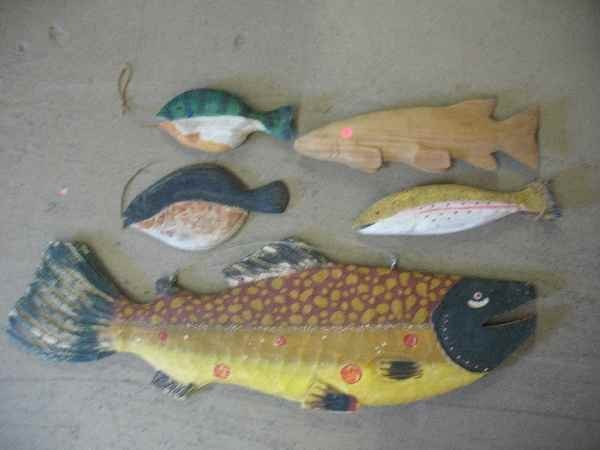 """7270014: LOT OF CARVED WOODEN FISH / LARGEST IS 42"""" L"""