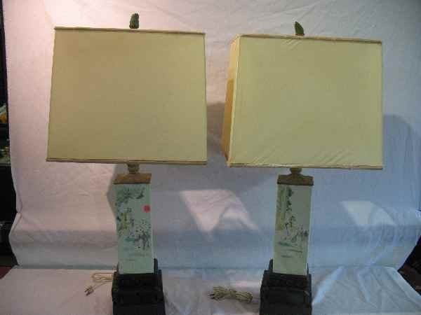 7270244: PAIR OF CHINESE FAMILLE ROSE URN LAMPS W/ MATC