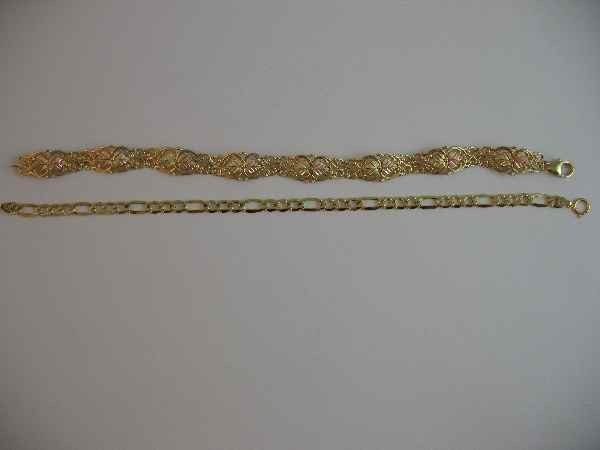 10190003: 2 GOLD BRACELETS: HEAVIER OF 2 IS 10 K BLACK