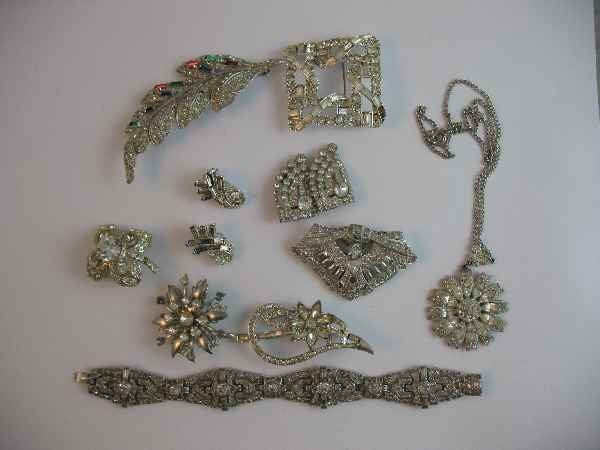 10190005: GROUPING OF QUALITY RHINESTONE JEWELRY