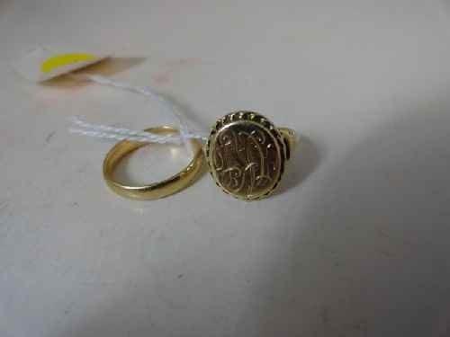 12210004: 10 K GOLD SIGNET RING TOGETHER W/ 14 K WEDDIN