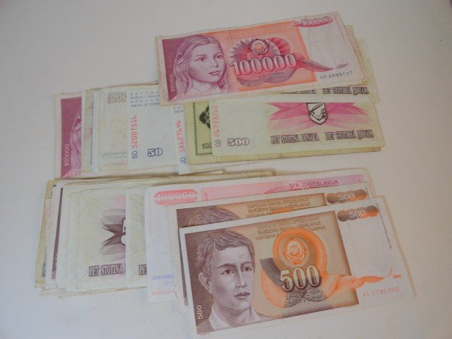 12210062: 70 PC. FOREIGN MONEY
