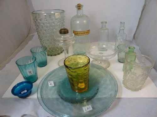 12210095: LOT OF ANTIQUE GLASSWARE