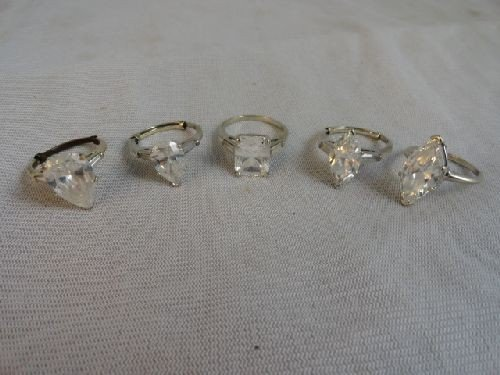 2290012: 5 LARGE 14K GOLD CUBIC ZIRCONIA RINGS (25 G)