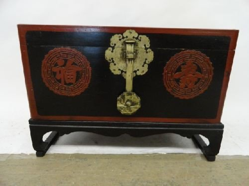 """2290107: CHINESE LACQUERWARE BOX ON STAND (12""""x26.5""""x14"""
