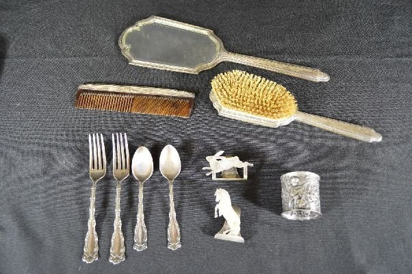 8290002: sterling silver dresser set &misc silver items