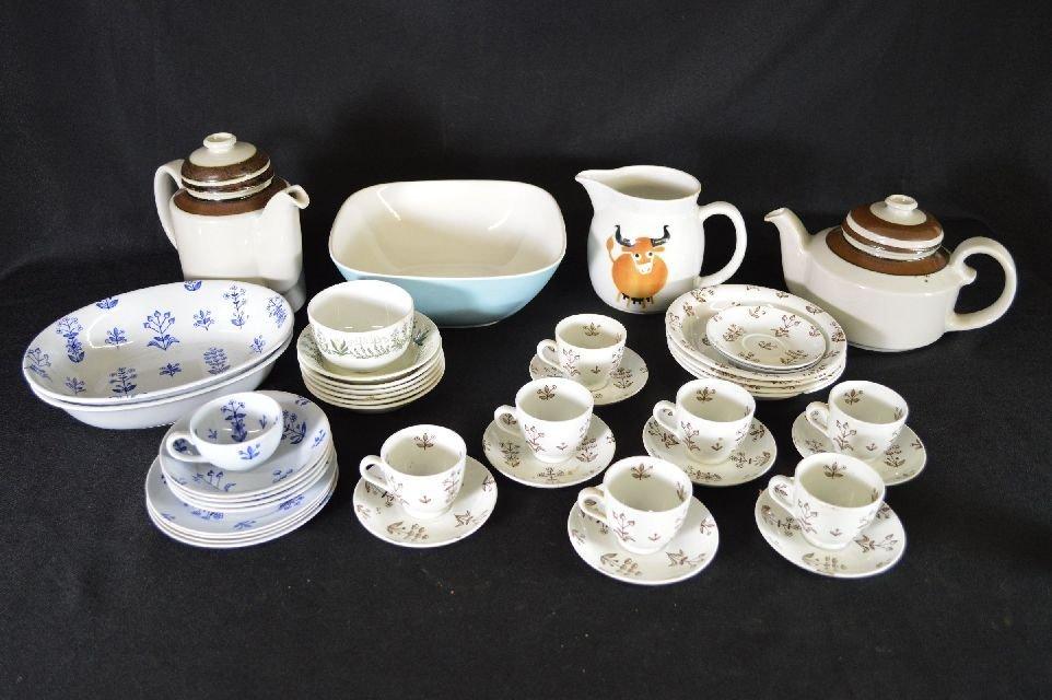 8290004: Large lot of Arabia porcelains, various patter
