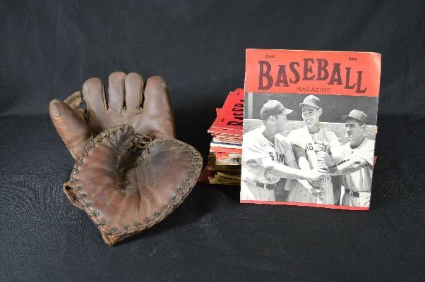 8290005: 1920's Baseball magazines with 2 vintage glove