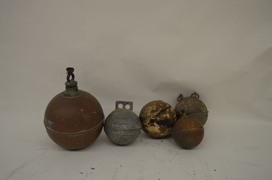80019: 5 ANTIQUE METAL BUOYS. 2 OF WHICH ARE COPPER