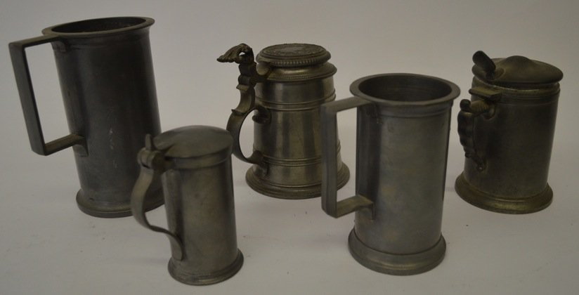GROUPING OF PEWTER STEINS