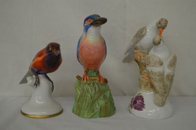 3 HAND MODELED BIRD FIGURINES: BESHERZER, SPODE AND ONE