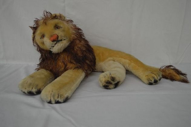 "STEIFF LION 14"" LONG"
