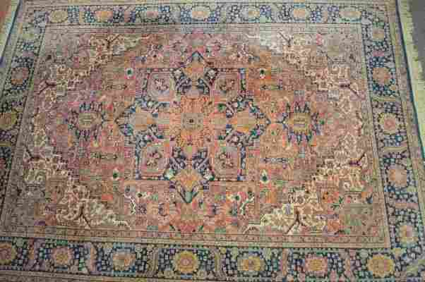 """LARGE PERSIAN AREA RUG 154"""" x 105""""SOME FADING OTHERWISE"""