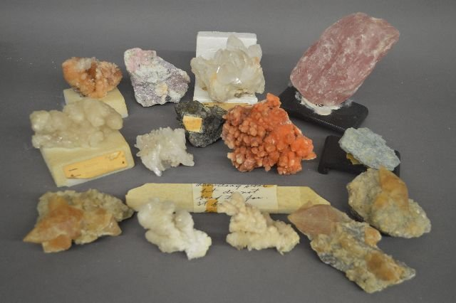 14 MINERAL AND CRYSTAL SPECIMENS