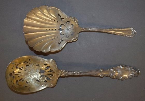 2 PIECES OF STERLING SILVER CRACKER SPOONS AND GORHAM