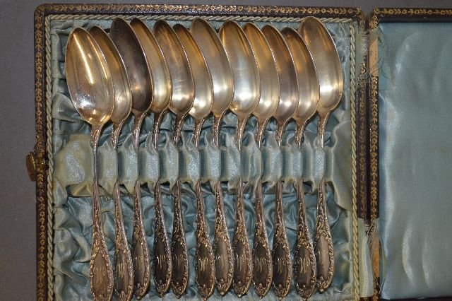 12 CASED FRENCH STERLING SILVER PRESENTATION  SPOONS,