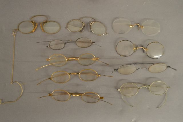10 PAIRS ANTIQUE  GLASSES, RAZORS, AND PIPES - 3