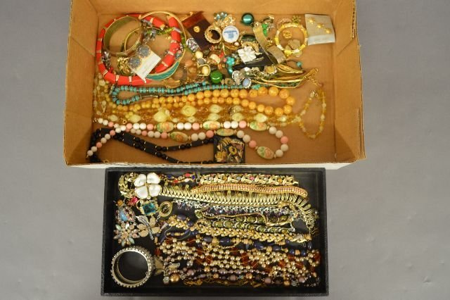 LARGE LOT OF VINTAGE COSTUME JEWELRY, INC TRIFARI, HOBE