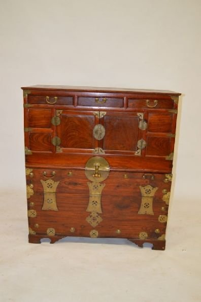 19TH CENTURY CHINESE CHIPPENDALE CHEST. 3 DRAWERS OVER