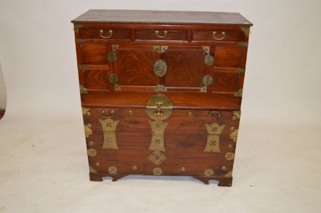 19TH CENTURY CHINESE CHIPPENDALE CHEST. 3 DRAWERS OVER - 2