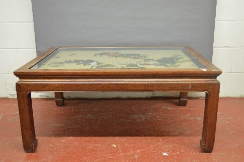 ANTIQUE CHINESE TABLE WITH JADE AND PRECIOUS STONE