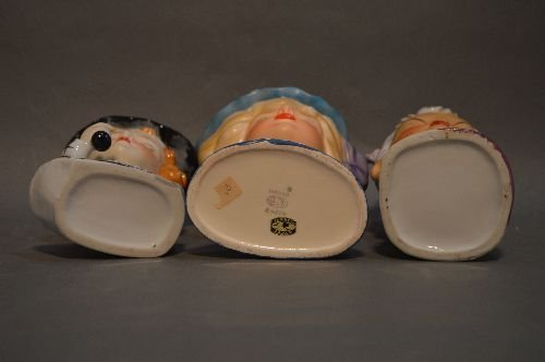 "7 VINTAGE PORCELAIN HEAD VASES; 7"" AND SMALLER - 3"