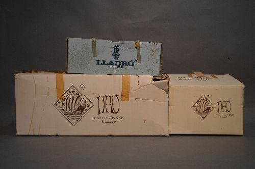 1 LLADRO AND 2 NAO FIGURINES. OLDER WITH ORIGINAL BOXES; - 3