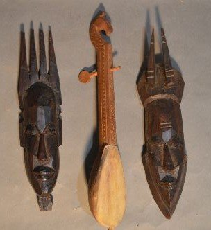 10 WOOD CARVED AFRICAN SCULPTURES AND FIGURES - 8
