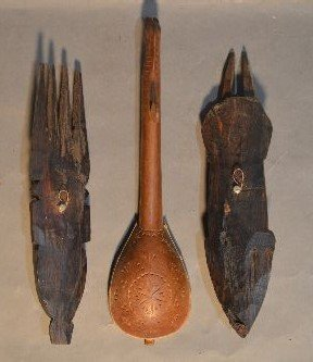 10 WOOD CARVED AFRICAN SCULPTURES AND FIGURES - 9