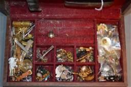 CASE OF MENS CUFFLINKS, BAR PIN, 10K GOLD SIGNET RING,