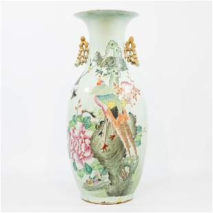 A Chinese vase with decor of a crane and peacock,
